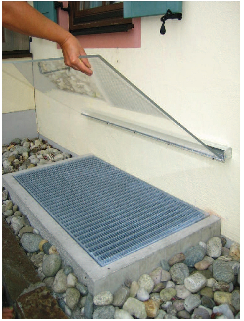 acryl regenabdeckung schr g klappbar hieber beton. Black Bedroom Furniture Sets. Home Design Ideas